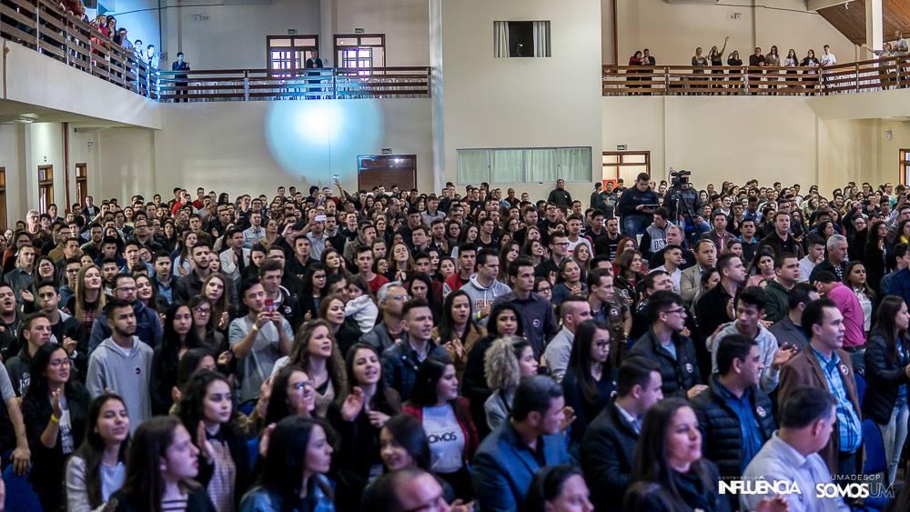 Conferência reúne quase dois mil jovens em Piratuba
