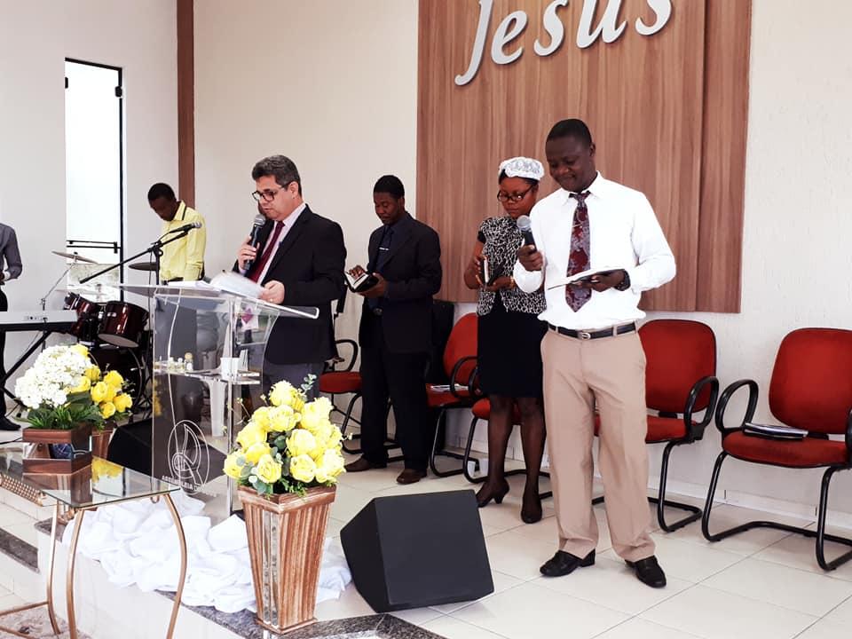 Celebrando com os irmãos do Haiti