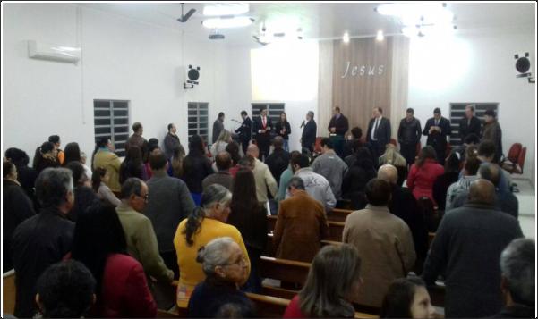 SALVAÇÃO DE ALMAS EM CULTO NA AD CRISTO REI