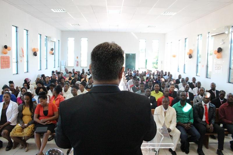 Irmãos do Haiti celebram três anos em Cocal